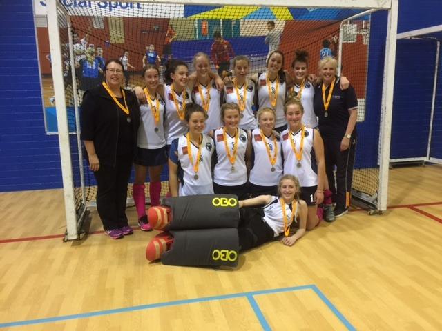 u18-girls-indoor-team-photo-2016